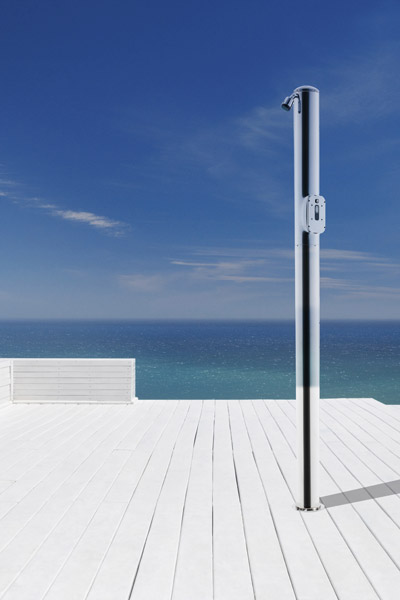 Docce solari e docce per esterno cwt piscine - Doccia per esterno ...