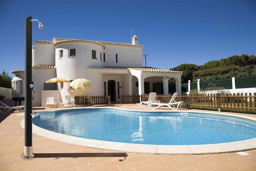 Docce solari e docce per esterno cwt piscine - Docce per piscine esterne ...