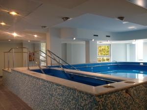Piscine Pubbliche Cosenza,piscine pubbliche interrate o fuoriterra per Hotel, Villaggi Turistici e Centri Sportivi.